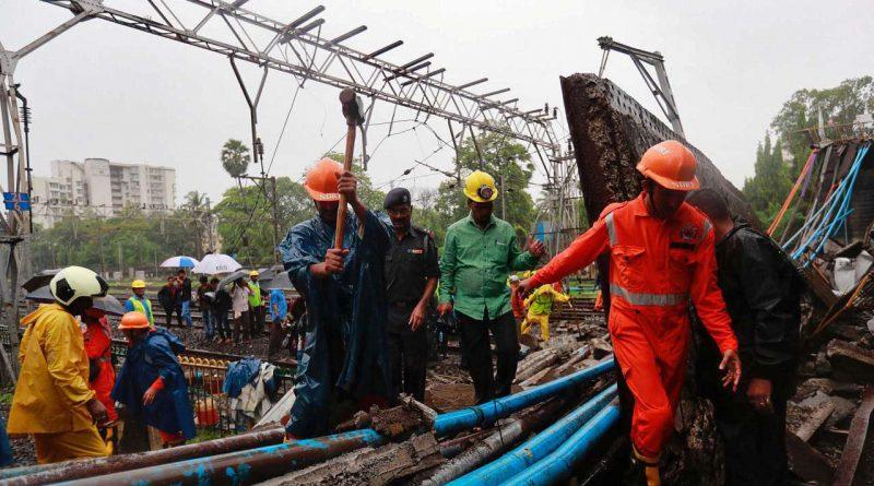 mumbai-rains-part-of-a-railway-bridge-collapses-in-andheri-west