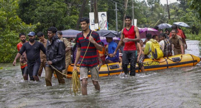 kerala-due-to-heavy-rainfall-and-landslide