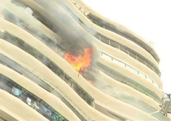 Fire-in-Mumbais-multi-storey-building